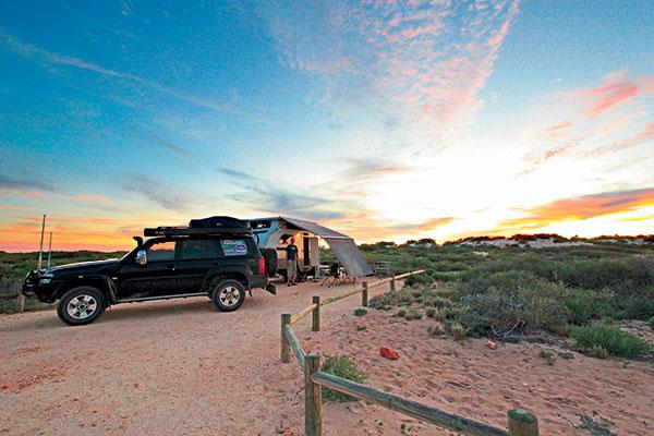 Camper -trailer -setup -in -the -outback