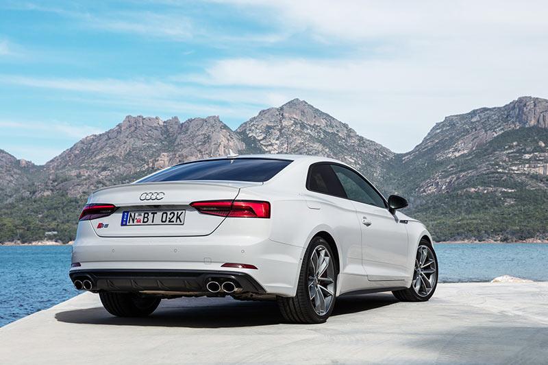 Audi -s 5-rear -angle