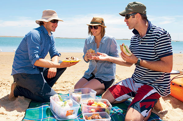 People -having -lunch -on -the -dunes -in -Coorong -National -Park