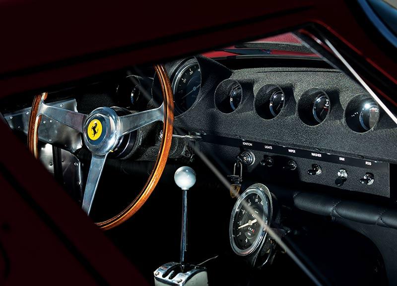 Ferrari -gto -dash