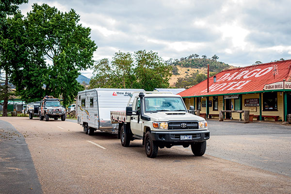 Toyota -cars -towing -a -caravan -and -a -camper -trailer -passing -the -Dargo -Hotel
