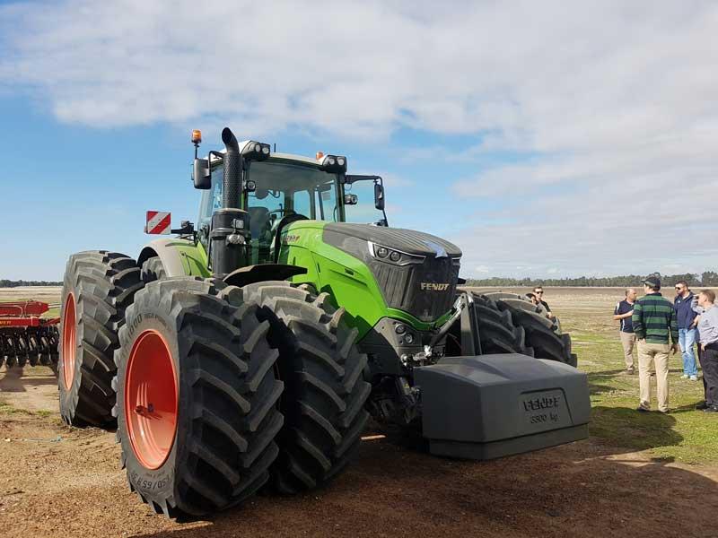 Fendt 1000 series tractor