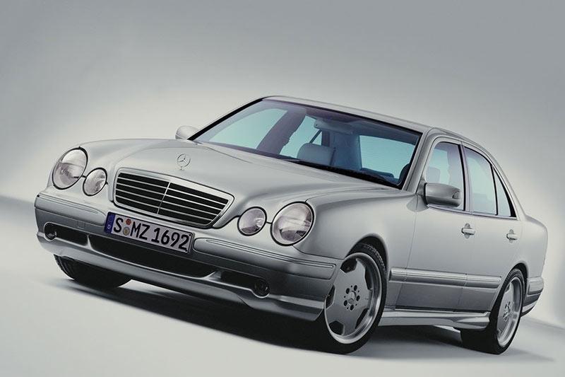 Mercedes -benz -e 55-amg