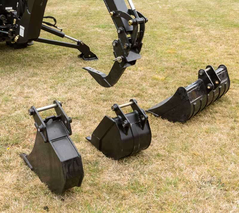 Emu EBH 760 backhoe attachments