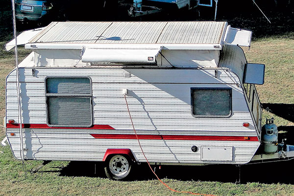 All -round -shade -with -the -pop -top -awning -for -the -caravan