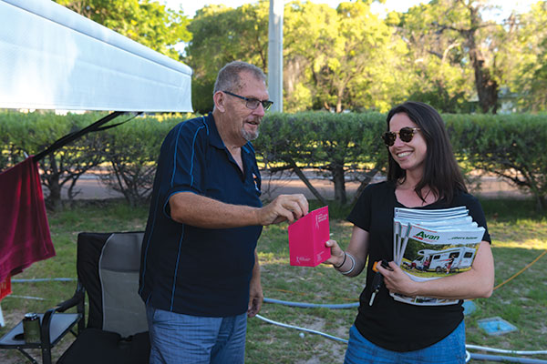 Gathering -donations -for -Breast -Cancer -Foundation -in -Fremantle -with -Caravan -World -magazine