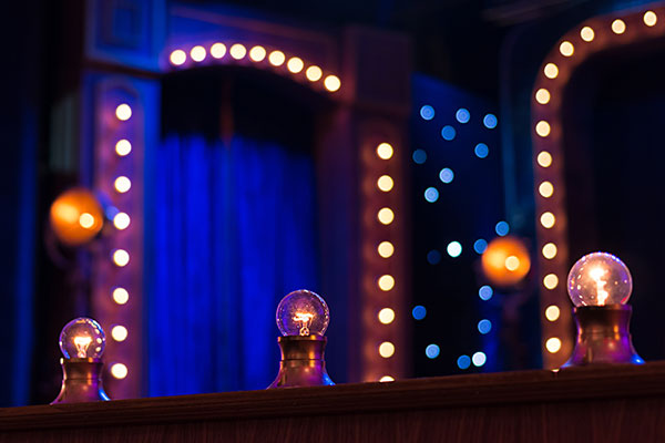 Cabaret -lights -on -stage