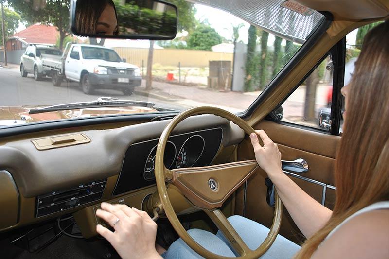 Holden -torana -driving