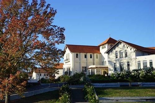 Iona -college