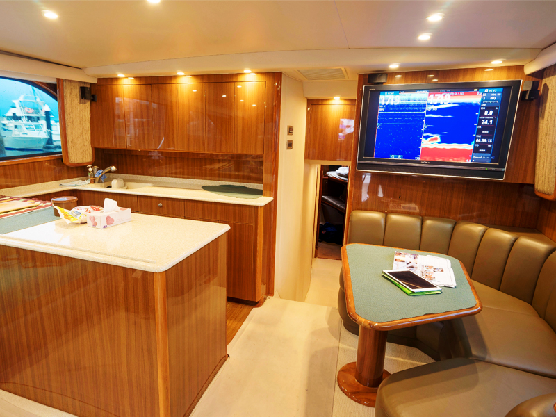 Simrad Navico Viking 48 Salon Wide