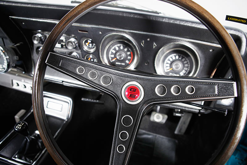 Ford -xy -falcon -dash -2