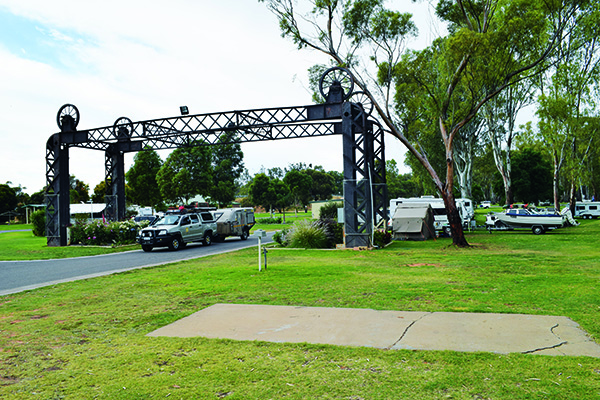 Top Riverside Campsites Balranald Caravan Park