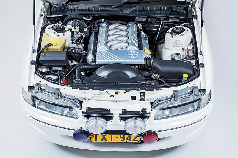 Holden -commodore -engine -bay