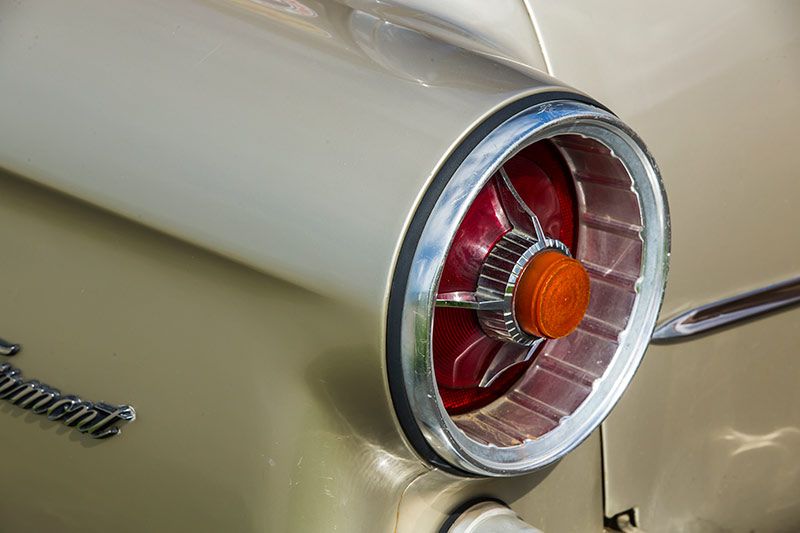 Ford -fairmont -wagon -tail -light