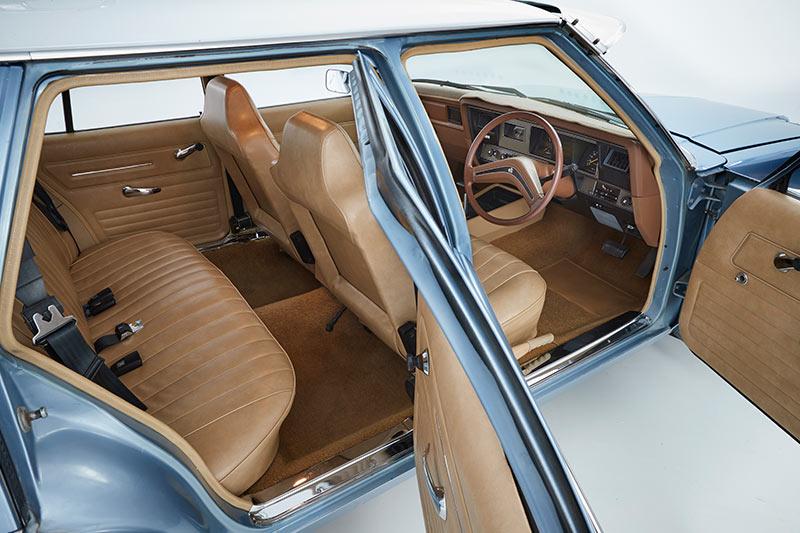 Holden -hz -kingswood -interior