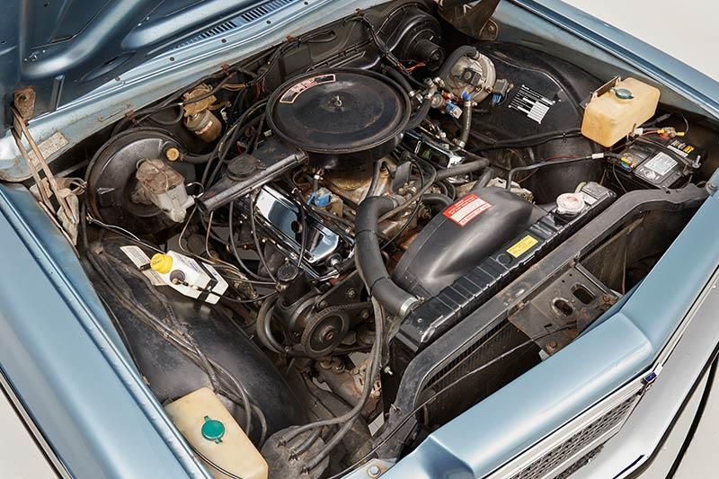 Holden -hz -wagon -engine -bay