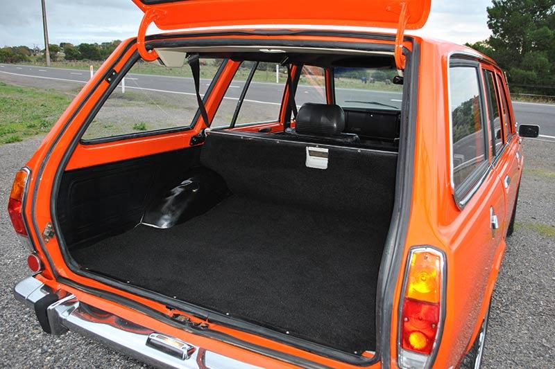 Datsun -1600-wagon -9
