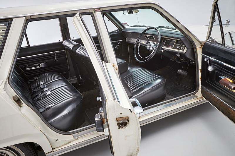 Chrysler -valiant -wagon -interior -3