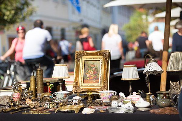 Antiques -market