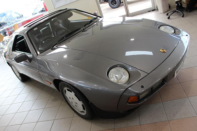 Porsche -928-2