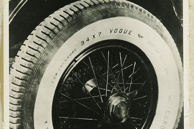Whitewall -tyre -main
