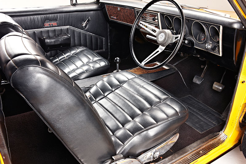 Monaro -HG-GTS-350-interior