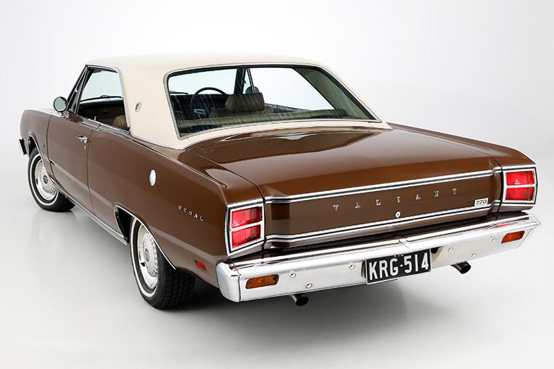 Chrysler -valiant -rear -angle