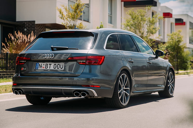 Audi -s 4-avant -rear -2