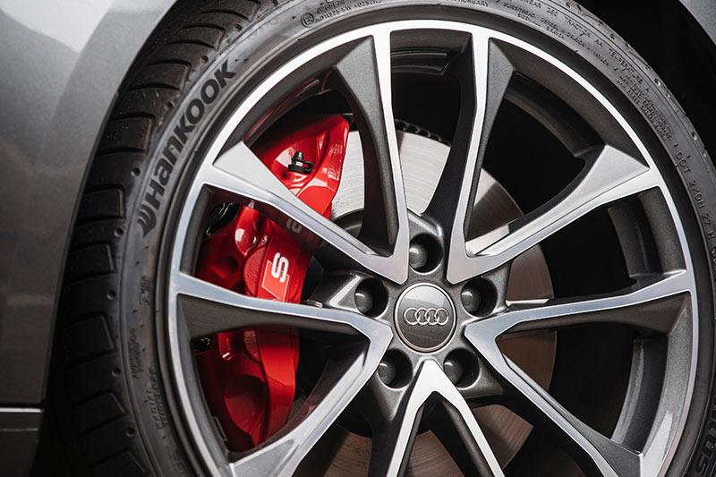 Audi -s 4-wheel