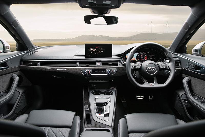 Audi -s 4-interior -front