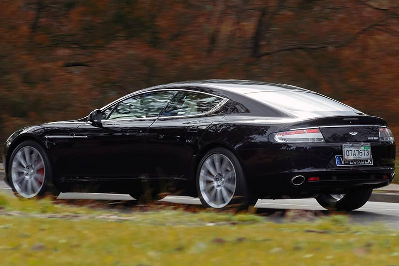Aston -martin -rapide -onroad -4