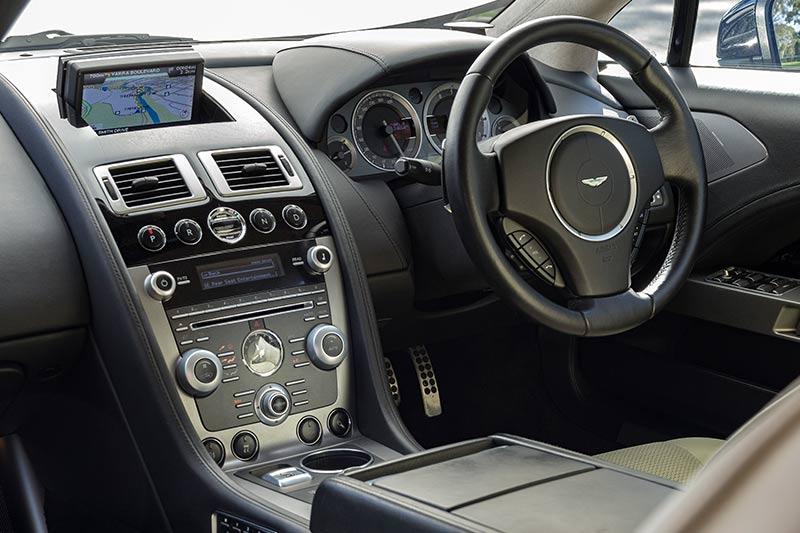 Aston -martin -rapide -interior