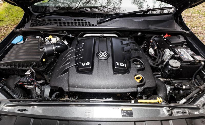 Volkswagen -Amarok -V6-ute -2