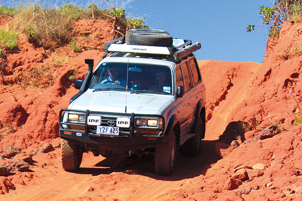 Driving -in -the -Pindan -dunes -alond -the -Northern -Beaches