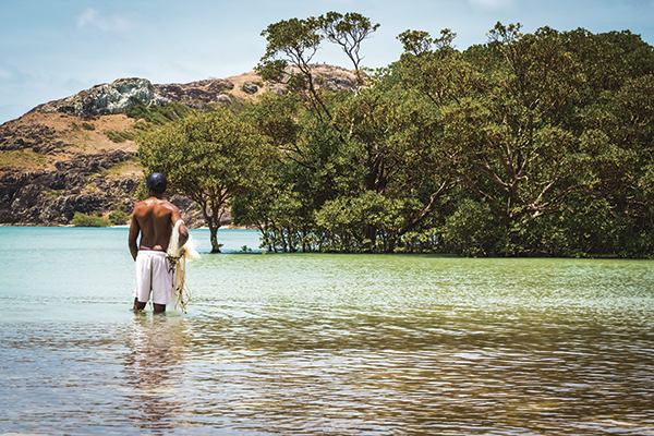 Man -standing -next -to -the -water -in -Cape -York