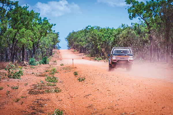 Car -driving -on -a -dusty -road -in -Cape -York