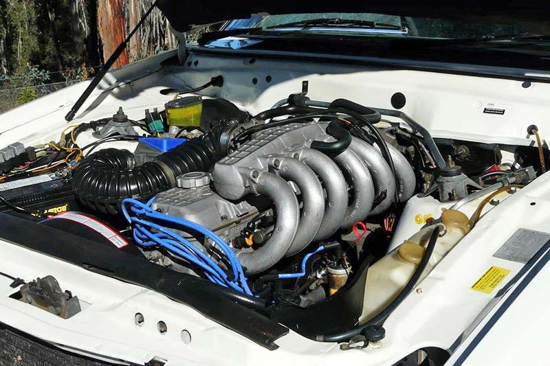 Ford -falcon -engine -bay