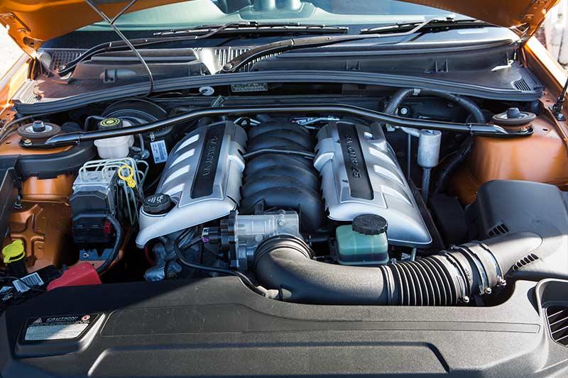 Holden -monaro -cv 8-z -engine -bay -2