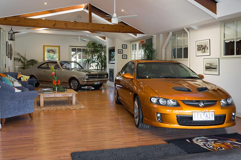 Holden -monaro -gts -327-in -garage -2