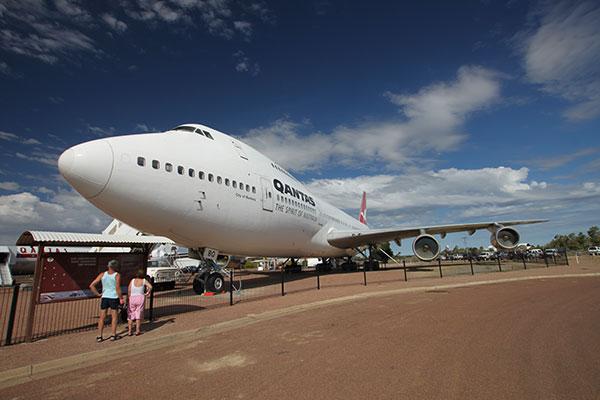 Qantas -747-plane -in -Longreach -in -Matilda -Way