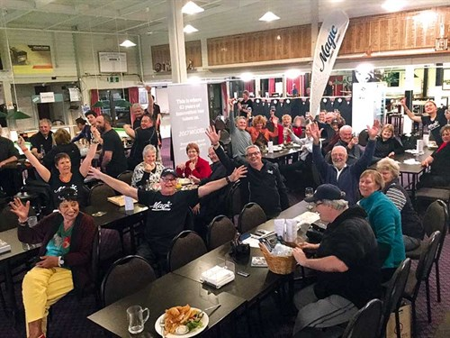 Murray -and -the -Magic -team -having -a -great -time -at -the -Taradale -Club -in -Hawke 's -Bay-