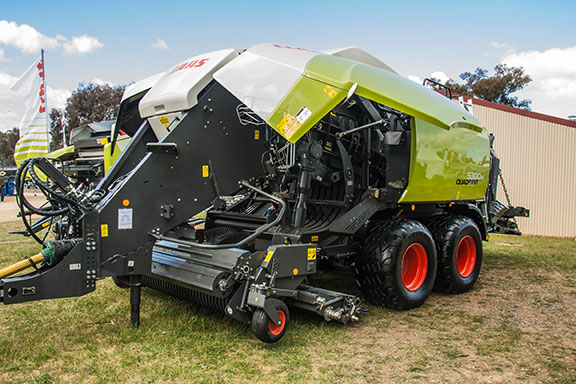 The Quadrant 5300 baler is full of new gear