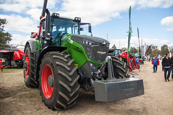 The Fendt 1042 vario has 435hp