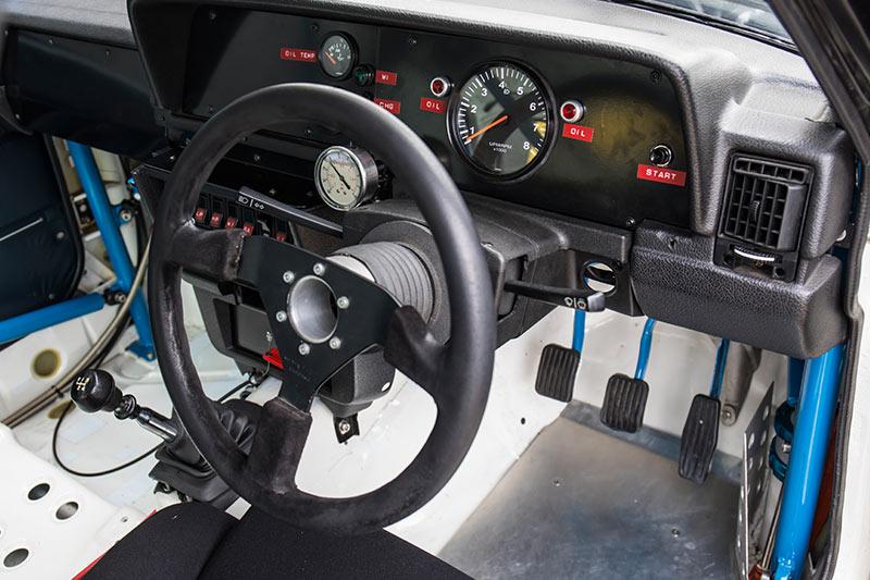 Volvo -240t -interior