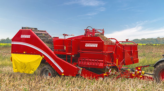 The Grimme evo 290 two-row harvester side on