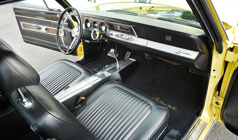 Barracuda -interior -front -2