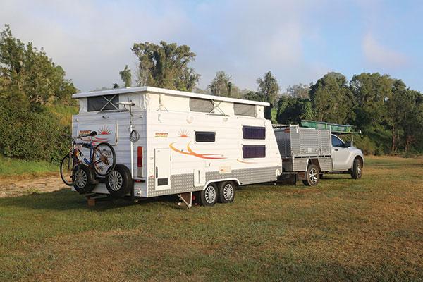 Towing -sunset -caravan