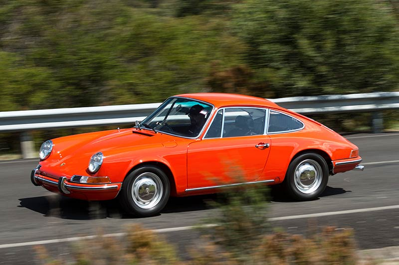 Porsche -911T-onroad -side
