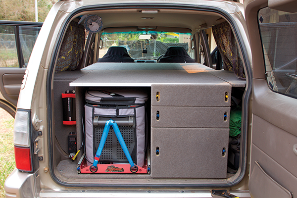 Rear -4WD-unit -the -drawers -and -shelving