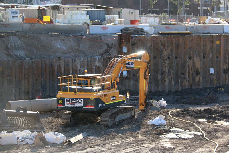 Hyundai 320LC-9 excavator